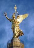 Goldelse uppe på segerkolonnen, Berlin arkivfoto