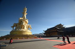 The golden buddha of mt Emei Royalty Free Stock Photos