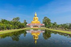 golden buddha statue Stock Images