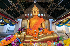 Golden Buddha statue in Thai  Buddhist Temple locally know as Wat Kalayanamitr Varamahavihara Stock Photos