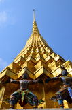 Golden Buddhist stupa Royalty Free Stock Photos