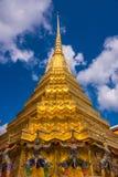 Golden Dome på den storslagna slotten Arkivbilder