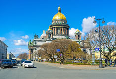 The golden domed St Isaac's Cathedral in St Petersburg Stock Photos