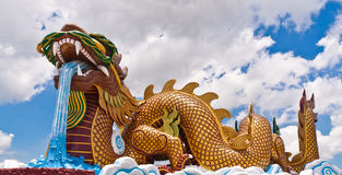 Golden dragon statue Royalty Free Stock Photos