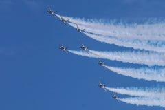 Golden Eagles de ROKAF T-50 na formação Imagem de Stock