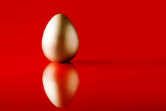 Golden egg Royalty Free Stock Images