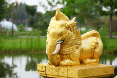 Golden elephant statue Royalty Free Stock Images