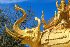 The golden elephent statue Royalty Free Stock Photos