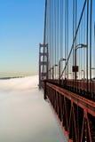 Golden Gate über dem Nebel Lizenzfreie Stockfotografie