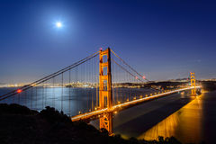 Golden gate bridge alla notte, San Francisco Immagine Stock
