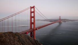 Golden gate bridge au crépuscule, San Francisco, la Californie, Etats-Unis photographie stock libre de droits