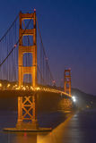 Golden gate bridge bij Nacht in San Francisco, Californië, Verenigde Staten Stock Afbeelding