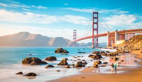 Golden gate bridge bij zonsondergang, San Francisco, Californi?, de V.S. stock foto's