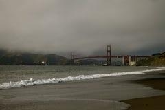 Golden gate bridge bis zum Tag Lizenzfreie Stockbilder