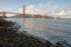 Golden gate bridge da punto forte a San Francisco Immagini Stock