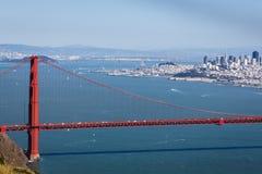 Golden gate bridge, das zurück in Richtung der Stadt von San Francisco blickt Lizenzfreies Stockbild