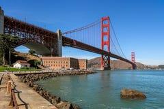 Golden gate bridge e punto forte Immagini Stock Libere da Diritti