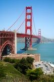 Golden gate bridge en Fortpunt royalty-vrije stock afbeeldingen