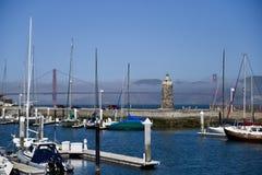 Golden gate bridge en St Francis Yacht Club royalty-vrije stock fotografie