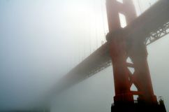 Golden Gate Bridge in Fog Royalty Free Stock Photos