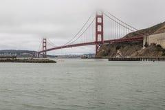 Golden Gate Bridge i San Fransisco zatoki teren Zdjęcia Stock