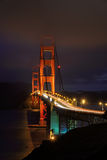 Golden gate bridge, illumination de nuit, San Francisco, CA Photographie stock libre de droits