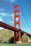 Golden gate bridge med klar himmel Fotografering för Bildbyråer