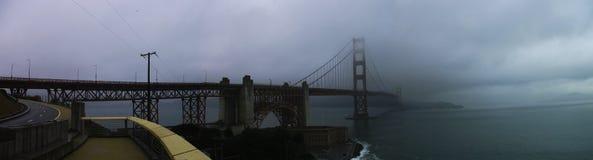 golden gate bridge na névoa Foto de Stock Royalty Free