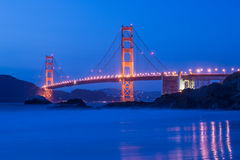 Golden gate bridge at night in San Francisco Stock Photography