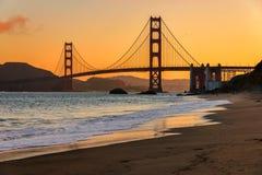 Golden gate bridge no nascer do sol, San Francisco fotos de stock royalty free