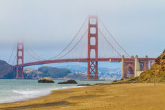 Golden gate bridge och bagare Beach, San Francisco Royaltyfria Bilder