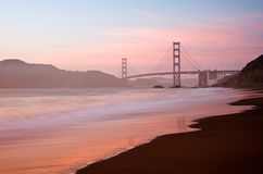 Golden gate bridge, San Francisco au crépuscule Photographie stock libre de droits