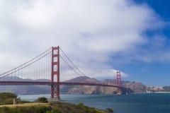Golden gate bridge, San Francisco, Californië, de V.S. tijdens een schone zonnige dag Stock Afbeelding