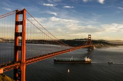 Golden gate bridge and vessels Royalty Free Stock Photography