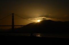 Golden gate bridge-Sonnenuntergang Stockfotos