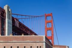 Golden gate bridge sopra il punto della fortificazione Fotografia Stock