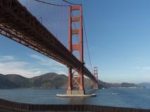 Golden gate bridge van Fortpunt Stock Afbeelding