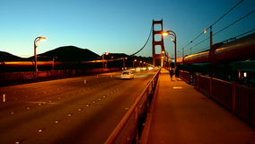Golden gate bridge-verkeer, de reisdiversiteit van de V.S., stock video