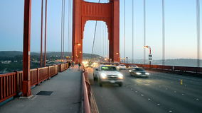 Golden gate bridge-verkeer, de reisdiversiteit van de V.S., stock footage