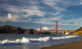 The Golden Gate Bridge w the waves Stock Photos