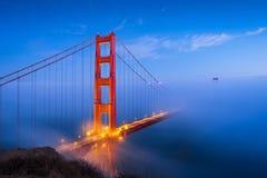 Golden gate bridge & Wolken royalty-vrije stock foto