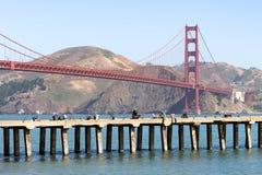 Golden Gate Bridge z rybakami, San Fransisco, Kalifornia, USA obrazy stock
