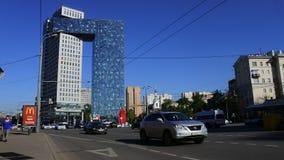 Golden Gate del centro de negocios en la carretera de los entusiastas, Moscú, Rusia metrajes