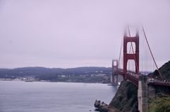 Golden Gate met mist Royalty-vrije Stock Fotografie