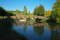 Golden Gate van Bourgondië, dorp van Chablis in Bourgogne-gebied, beroemd voor witte wijn royalty-vrije stock fotografie