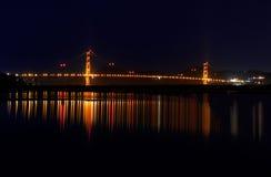 Golden Gatereflexion lizenzfreie stockbilder
