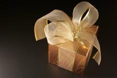 Golden gift Royalty Free Stock Photos