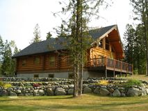 Golden log cabin scenic Royalty Free Stock Photography