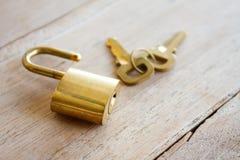 Golden padlock Royalty Free Stock Photography