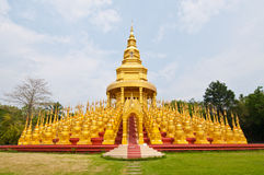 Golden pagoda with blue sky Stock Photography